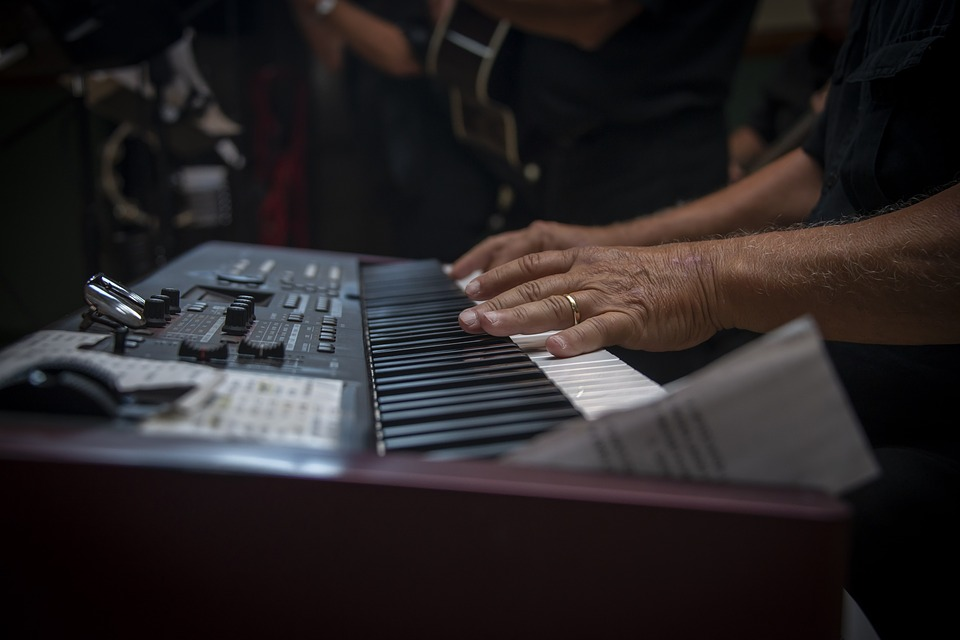 Musikinstrumente, Musik